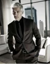 Des costumes pour hommes ….  costume